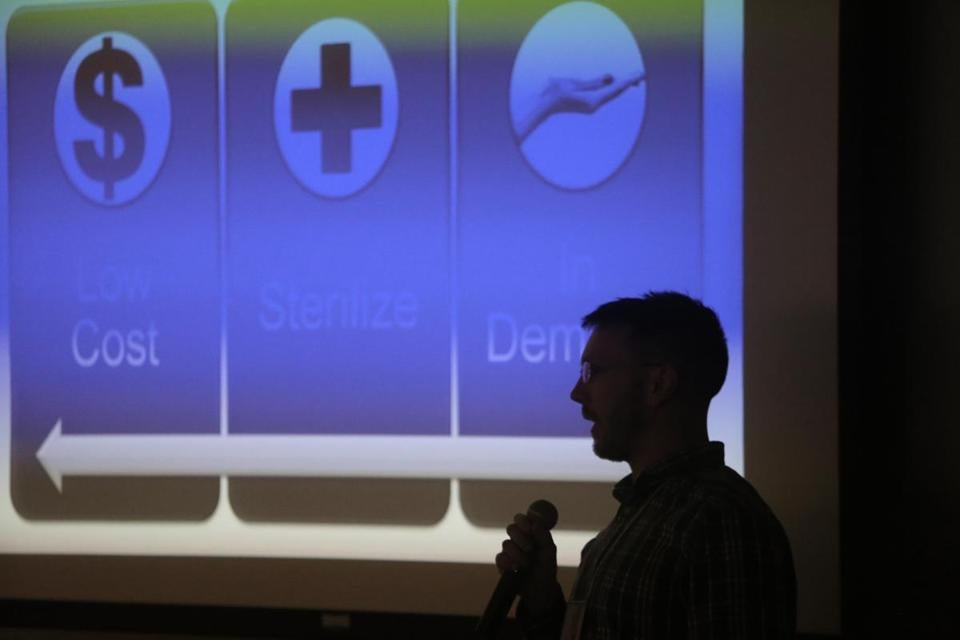 "Jim Wright discussed his team's idea, the ""Veinfinder"" — which helps find a vein for needle insertion in patients — at the Stop Ebola Hack-a-thon at Massachusetts General Hospital."
