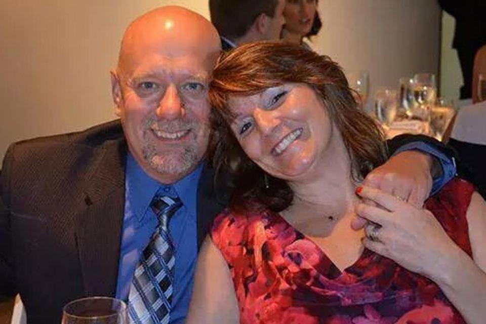 Mark Lavoie and his wife, Kathy, died in an apparent murder-suicide Tuesday in a Dover, N.H., hospital, friends and a relative confirmed.