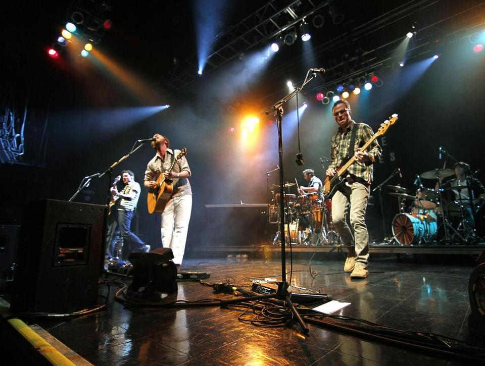 Guster performed before a sellout crowd at the House of Blues in 2011.
