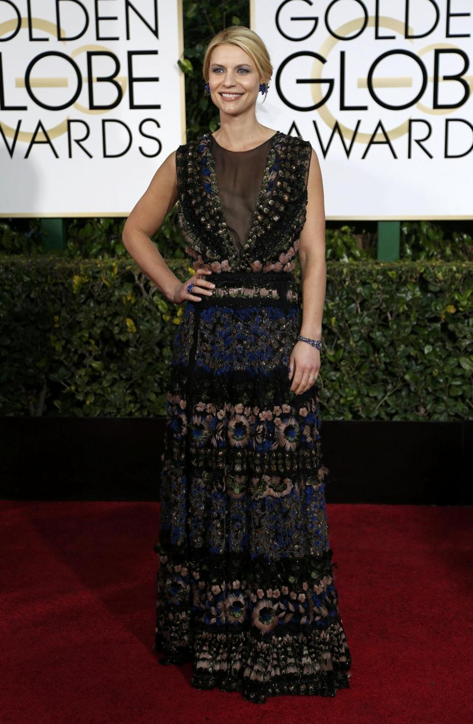 On Globes' red carpet, Hollywood lets it shine