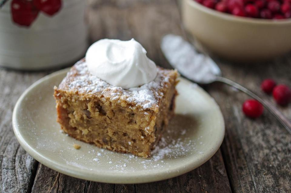 Recipe for apple cake with walnuts and dried cranberries