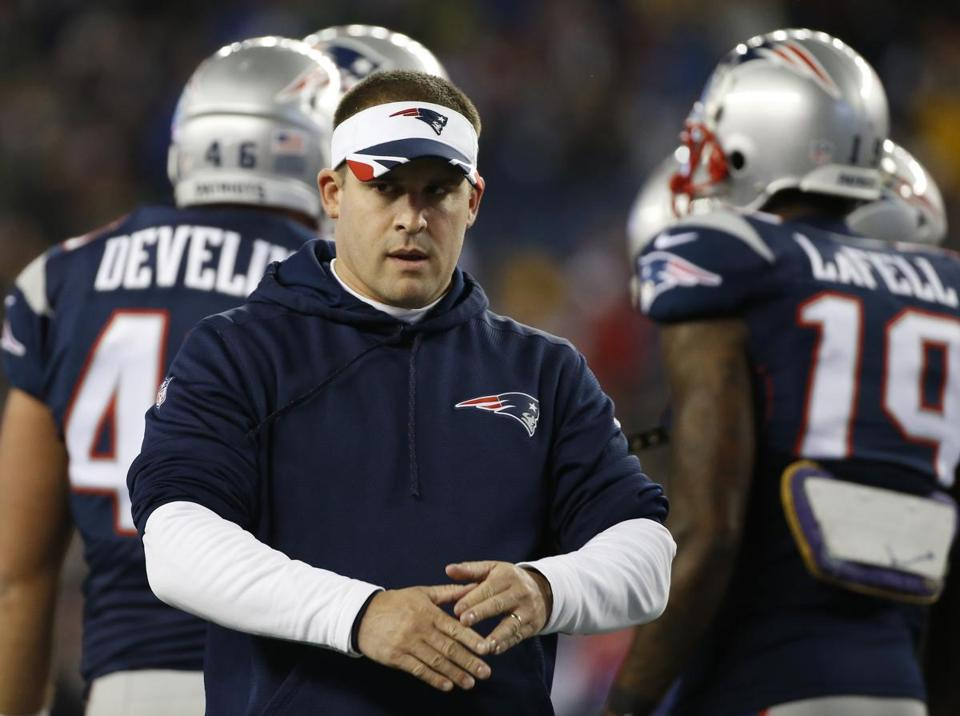 New England Patriots offensive coordinator Josh McDaniels before the NFL football AFC Championship game between the New England Patriots and Indianapolis Colts Sunday, Jan. 18, 2015, in Foxborough, Mass. (AP Photo/Elise Amendola)