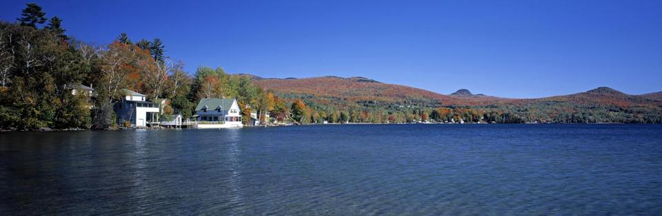 Westmore Lake Willoughby, Vermont, USA. (Walter Bibikow/AWL Images RM/Getty Images)