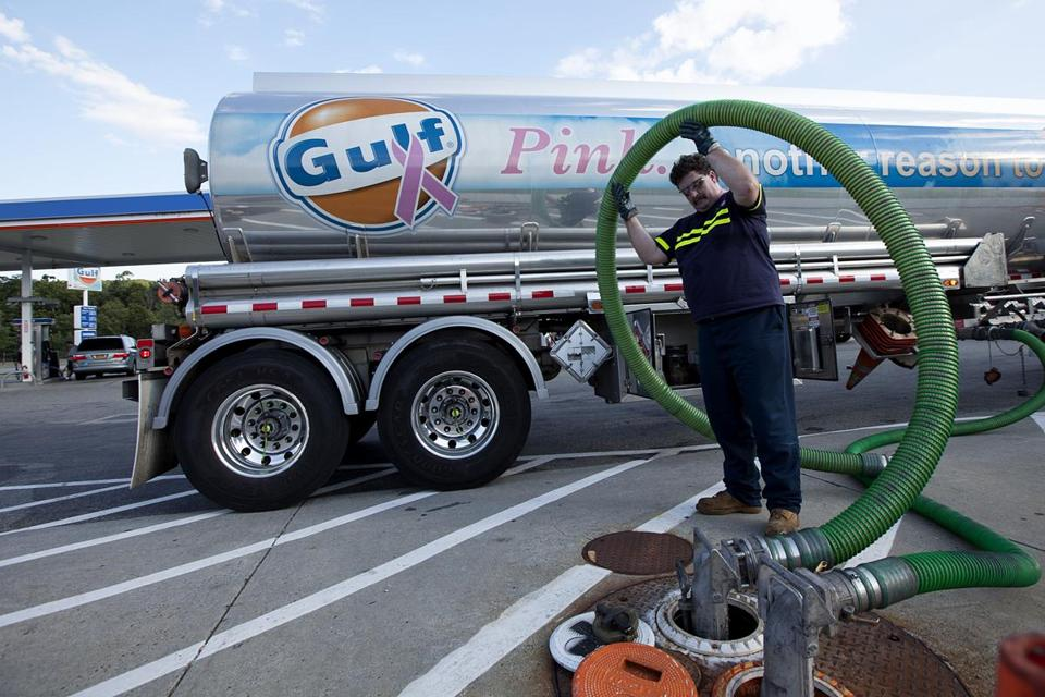 The deal to sell Gulf Oil will essentially split Cumberland Farms' retail and wholesale fuel distribution business.