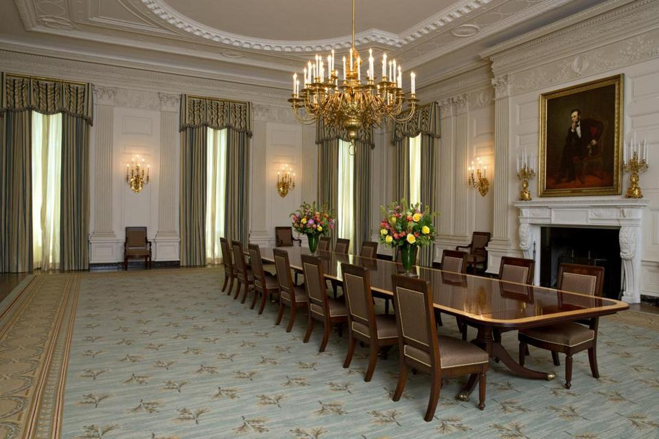 Michelle Obama Touches Up White House State Dining Room
