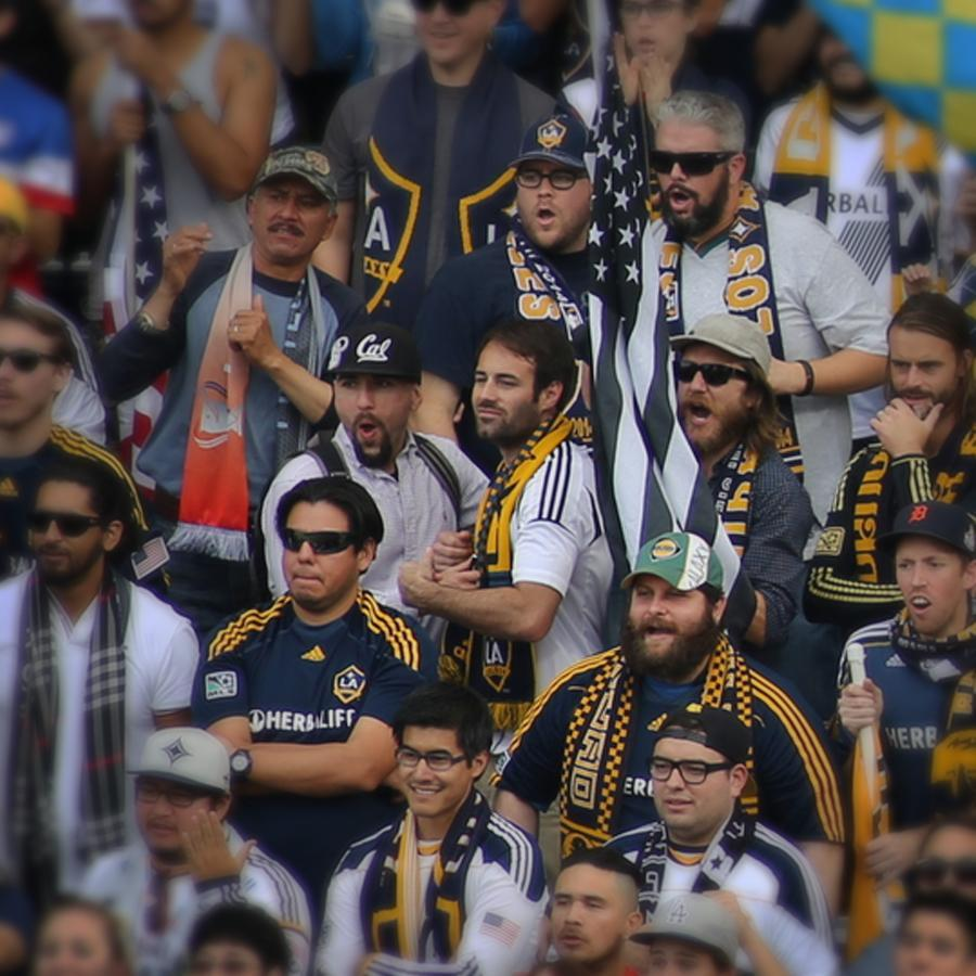 "06fanphotos - Excerpt from the game day story of Michael Conner - LA Galaxy vs New England Revolution - ""Kick-Off: 1'?Ñ?The Atmosphere is electric as weÕre off!"" (Fanpics)"