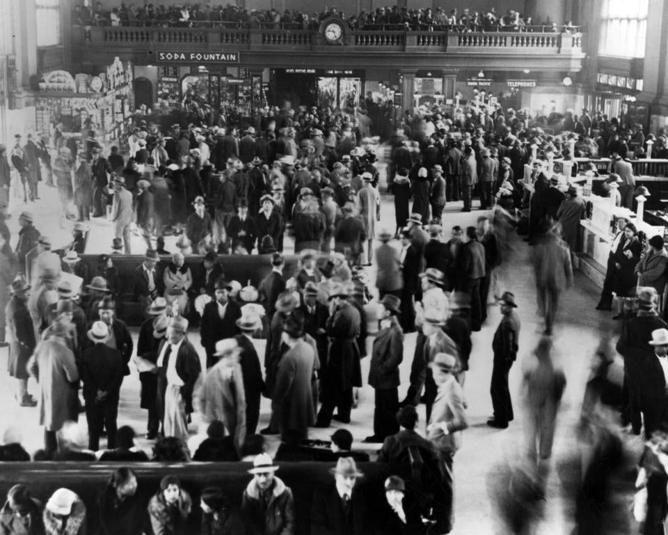 Hundreds of Mexicans packed a Los Angeles train station to await deportation to Mexico in 1932. They were part of a forced repatriation.