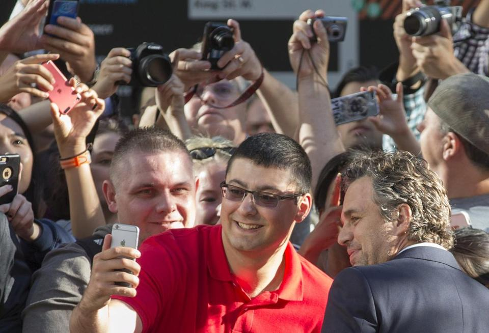 A fan corralled Ruffalo and took a selfie with the actor.