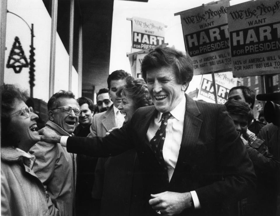 Gary Hart shared a laugh with voter while walking through downtown Concord, N.H., in December 1987.