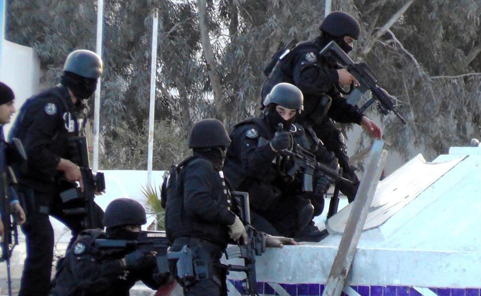 Tunisian special forces fought back against the assault, which Tunisian officials said was an Islamic State attempt to carve out a stronghold on the border with Libya.