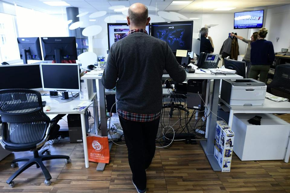 Standing desks are indeed calorie burners, but by how much?