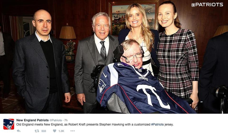 "21Names- ""Old England meets New England, as Robert Kraft presents Stephen Hawking with a customized #Patriots jersey."" (New England Patriots/Twitter)"