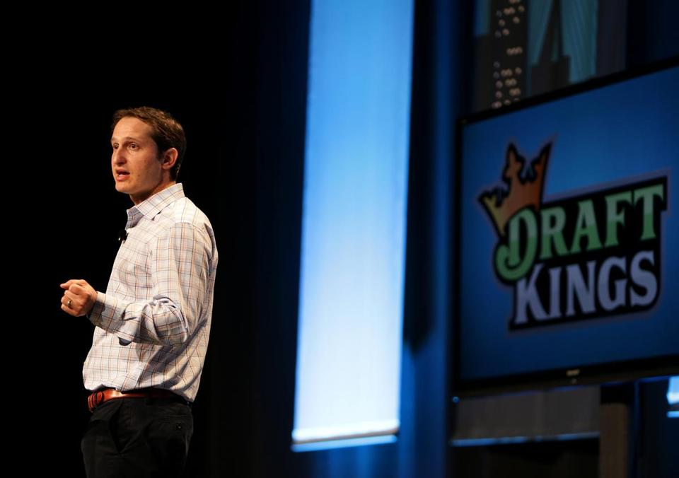 Boston, MA - 10/28/15 - DraftKings CEO & Founder Jason Robins, cq, speaking at MassChallenge awards ceremony. - (Barry Chin/Globe Staff), Section: Business, Reporter: Curt Woodward, Topic: 28draftkings, LOID: 8.2.132341105.