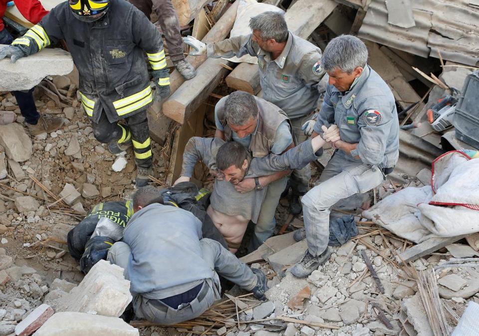 Deadly earthquake hits Italy