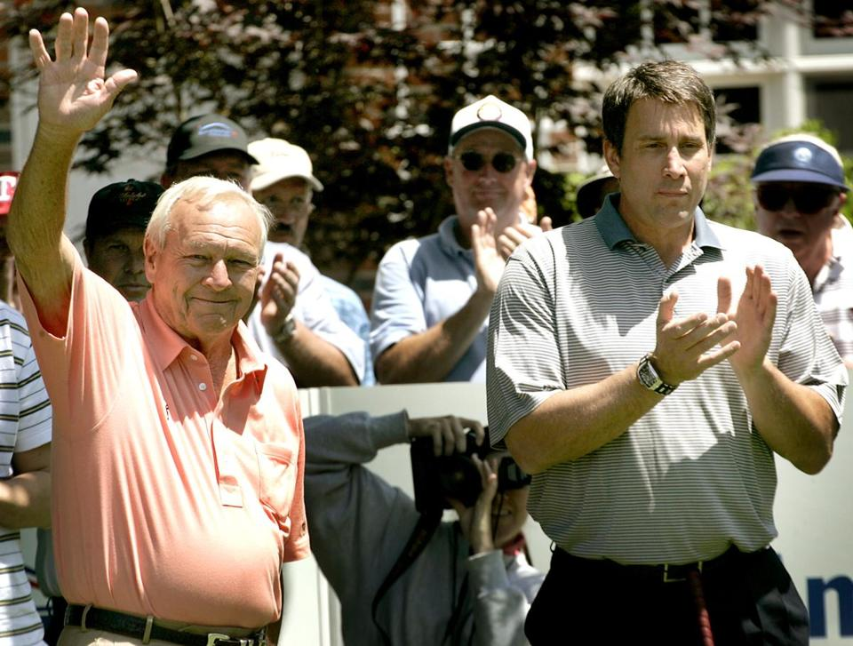 Palmer waved to the crowd in 2005 after completing a round during the Bank of America Championship at Nashawtuc Country Club in Concord.