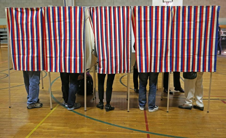 CAMBRIDGE MA - 11/08/2016: Voting Ward 8 at the Graham and Parks School in Cambridge. The 2016 presidential election, voter turnout at polling places (David L Ryan/Globe Staff Photo) SECTION: METRO TOPIC 09turnout
