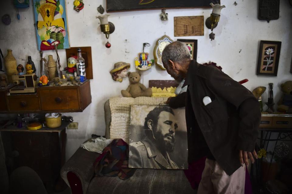 Fidel Castro: polarizing icon