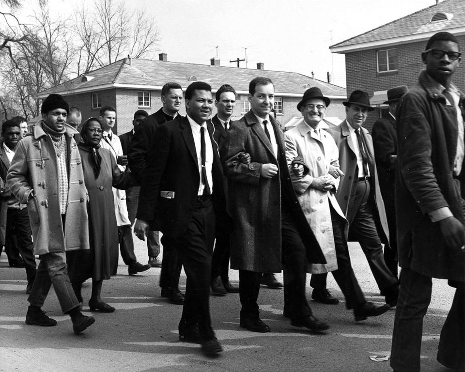 Henry Hampton (center) marching in Selma, Ala., in 1965.