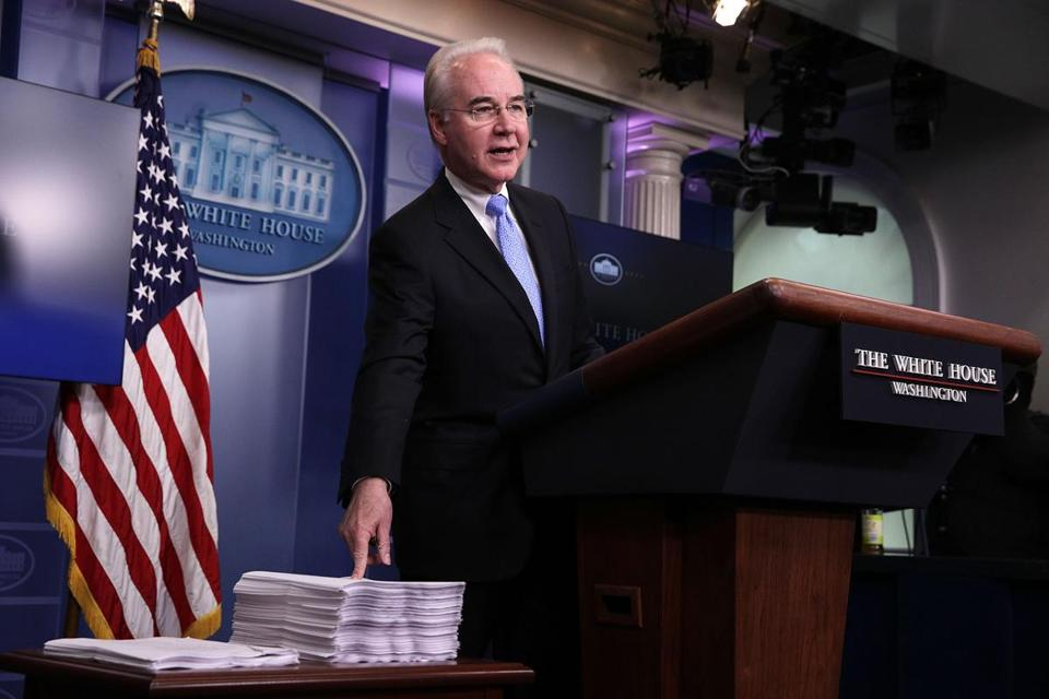 WASHINGTON, DC - MARCH 07: U.S. Secretary of Health and Human Services Tom Price compares a copy of the Affordable Care Act (R) and a copy of the new House Republican health care bill (L) during the White House daily press briefing March 7, 2017 at the White House in Washington, DC. Secretary Price answered questions on the new healthcare bill during the briefing. (Photo by Alex Wong/Getty Images)