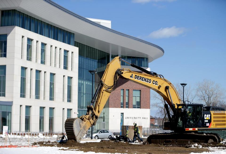 Boston Ma 03/16/2017 University Hall on the Umass Boston Campus which opened in 2016 is one of the many new buildings coming to the campus.The campus has many ongoing projects. Jonathan Wiggs /GlobeStaff) Reporter:Topic