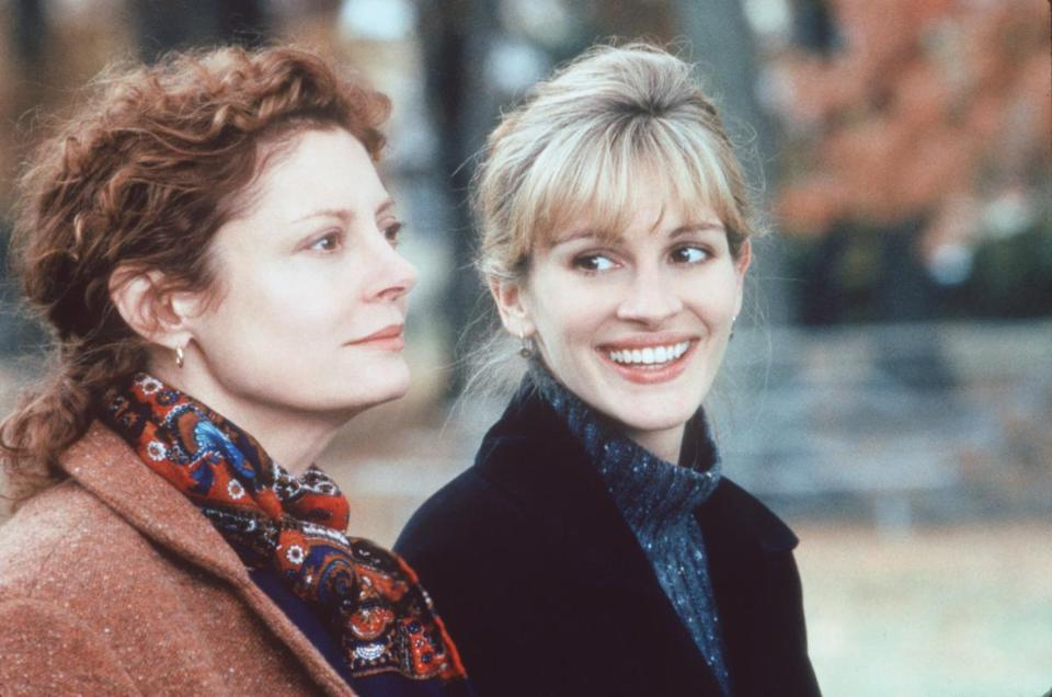 "Susan Sarandon (left) and Julia Roberts were accused of not getting along when they were making the 1998 movie ""Stepmom.''"