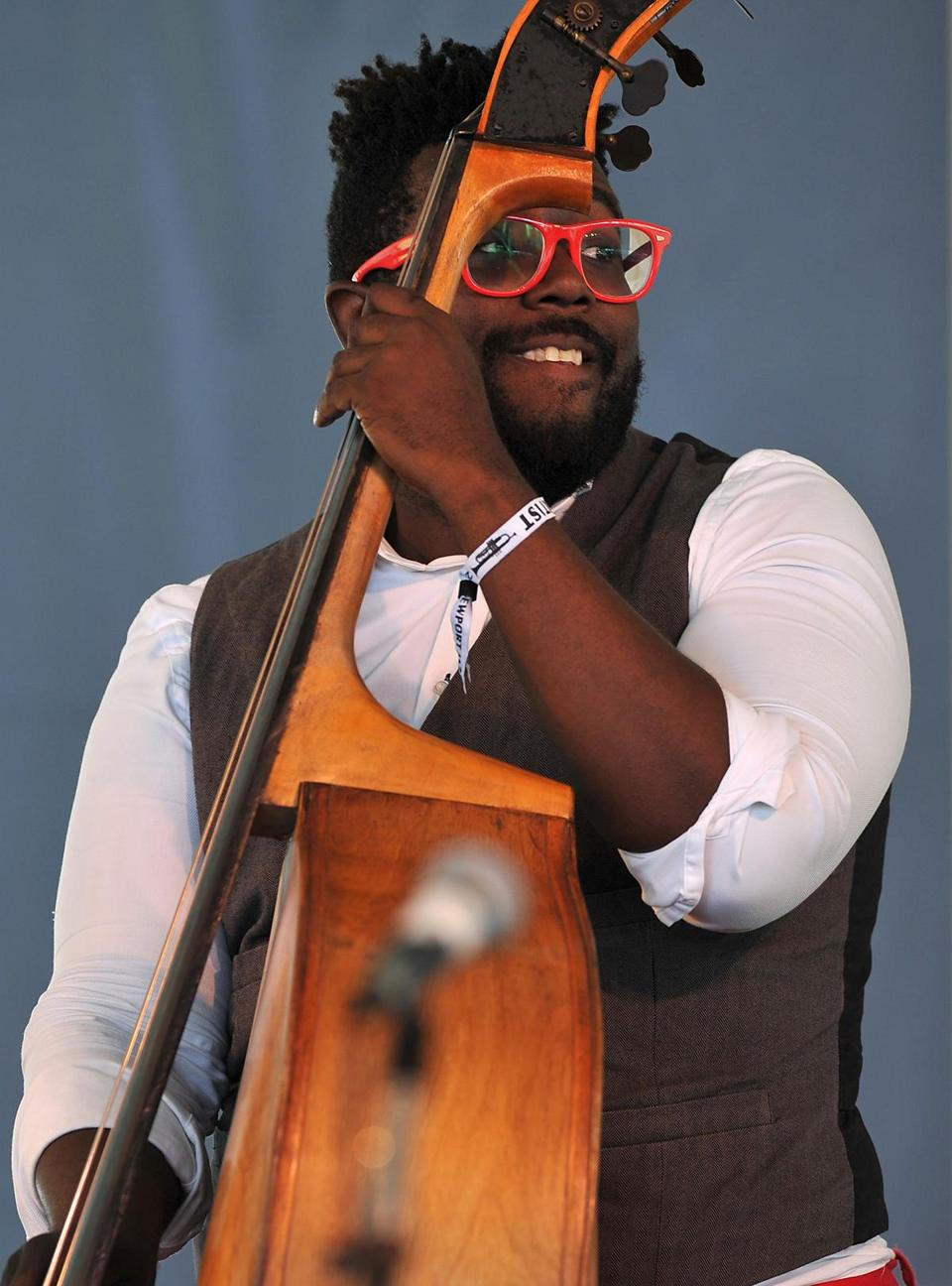Bassist Solomon Dorsey performs with vocalist Jos? James at the Newport Jazz Festival in Newport, Rhode Island, on August 1, 2015. AFP PHOTO/ Eva HAMBACH (Photo credit should read EVA HAMBACH/AFP/Getty Images)