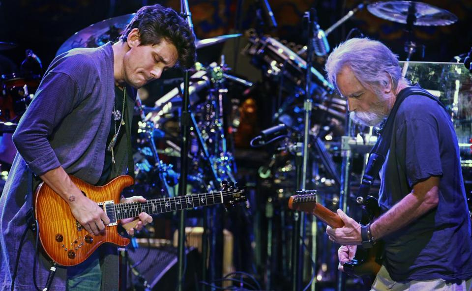 John Mayer and Bob Weir in Worcester in 2015.