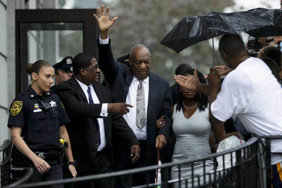 Bill Cosby gestures as he departs the Montgomery County Courthouse after his sexual assault trial, Saturday, June 17, 2017, in Norristown, Pa. (AP Photo/Matt Slocum)