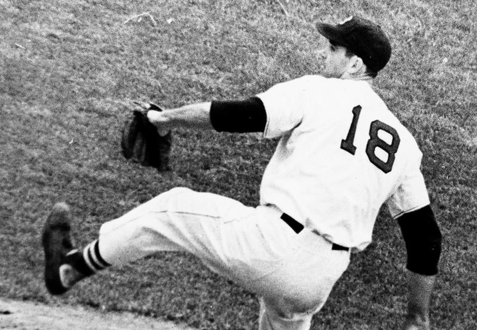 A 6-foot-8, 225-pound right-hander, Mr. Conley was a powerful presence in both of his sports.