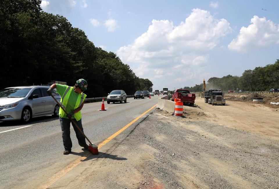 Hanover, MA - 8/01/2017 - A view of traffic on Route 3 southbound. The State Department of Transportation is undertaking a $30 million project to replace four structurally deficient bridges that carry Route 3 over High Street in Norwell and over Route 123 (Webster Street) in Hanover. - (Barry Chin/Globe Staff), Section: Regional/South Week, Reporter: John Laidler, Topic: 13soroadwork, LOID: 8.3.3256216822.