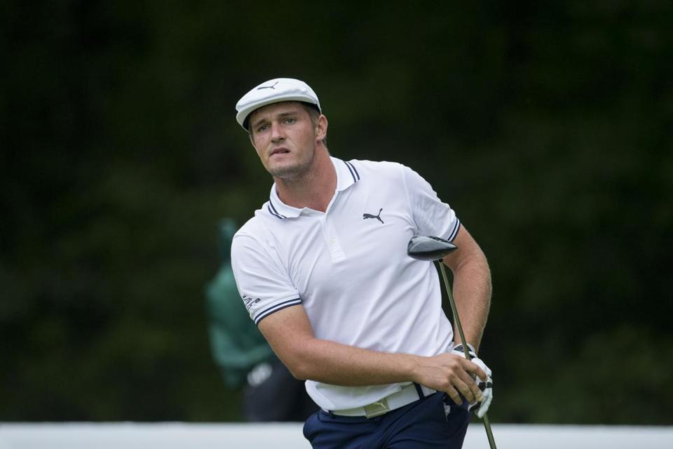 Bryson DeChambeau tried to hold on, but he struggled to a 1-over 72.