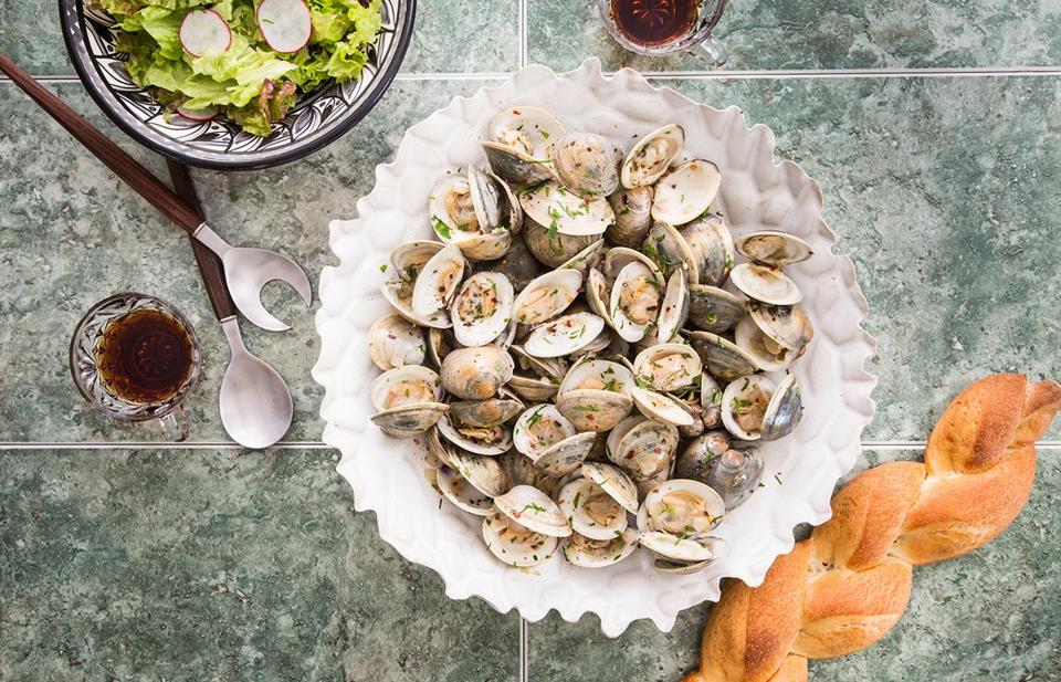 Spanish-style clams with garlic and sherry.