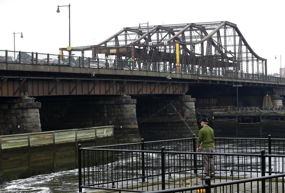 North Washington Street Bridge, which connects Charlestown to the North End, will be replaced in stages beginning next spring, with construction expected to take as long as five years.