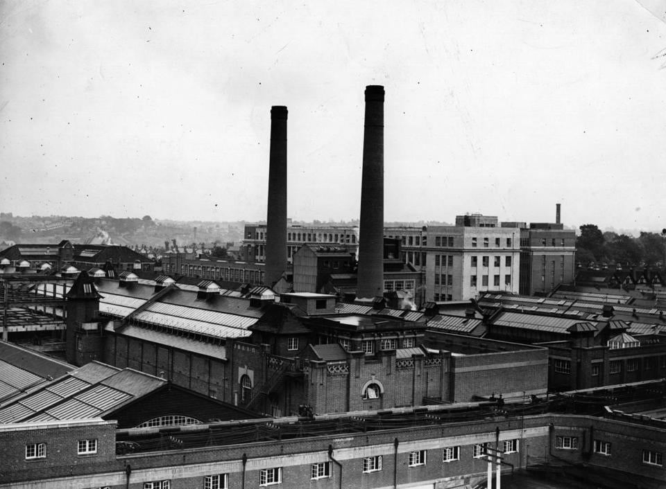 1939: The exterior of Cadbury's factory at Birmingham. (Photo by Topical Press Agency/Getty Images)