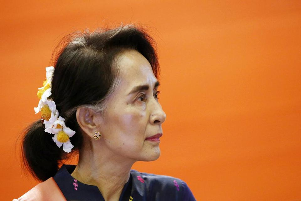 epa06201620 (FILE) - Myanmar's State Counselor Aung San Suu Kyi talks to rural youth during her peace talk conference meeting with Myanmar rural youth at the Myanmar Convention Center - 2 in Naypyitaw, Myanmar, 11 April 2017 (reissued 13 September 2017). Media report on 13 September 2017 that Myanmar State Counsellor and de facto leader Suu Kyi will not attend the UN General Assembly but rather deal with 'domestic issues'. The Nobel Peace Prize laureate Suu Kyi has become under broad citicism for keeping rather silent over the violence in Myanmar's Rakhine state that forced hundreds of thousands of Rohingya people to flee to neighbouring Bangladesh. EPA/HEIN HTET *** Local Caption *** 53451770