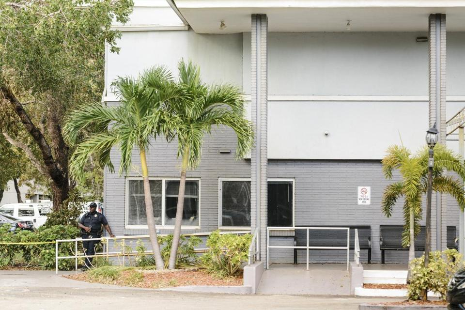 A police officer stood outside the Rehabilitation Center at Hollywood Hills in Hollywood, Fla., on Wednesday.