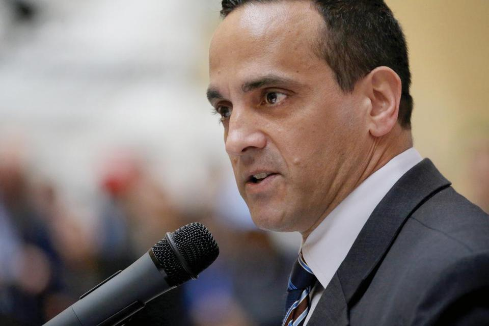 Somerville Mayor Joseph Curtatone is leading a bid for Amazon from that city, but also believes a regional approach to wooing the company is best.