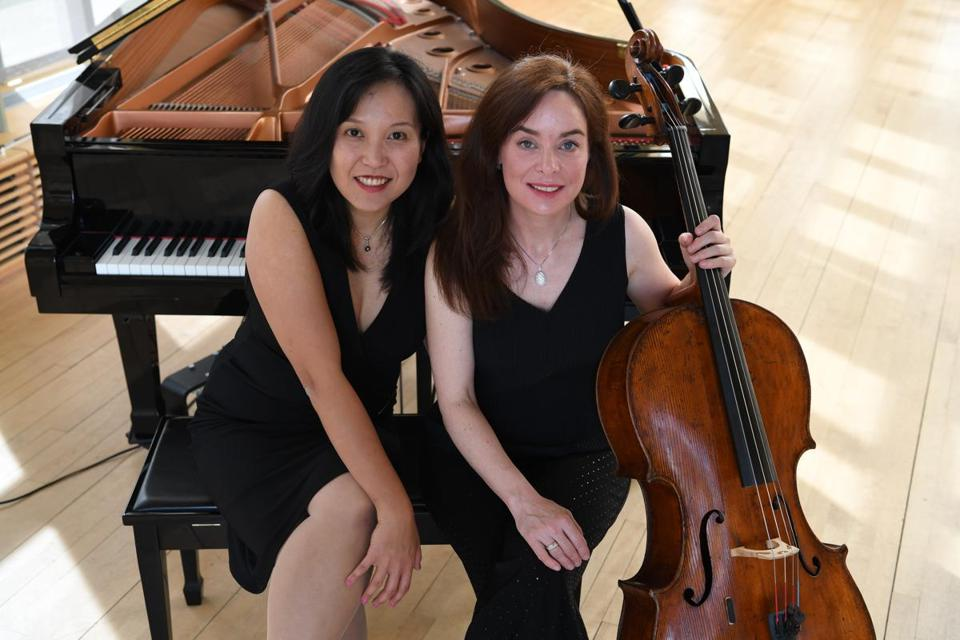05socalendar - Ellyses Kuan and Julie Reimann perform classical duets as Duo Amie in Weymouth. (Music at Sanctuary Hall)