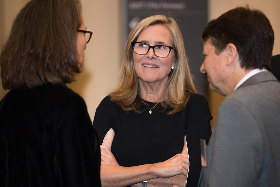 "Meredith Vieira talks with guests at the Museum of Fine Arts during the official launch of Tufts University's ""Brighter World"" campaign."