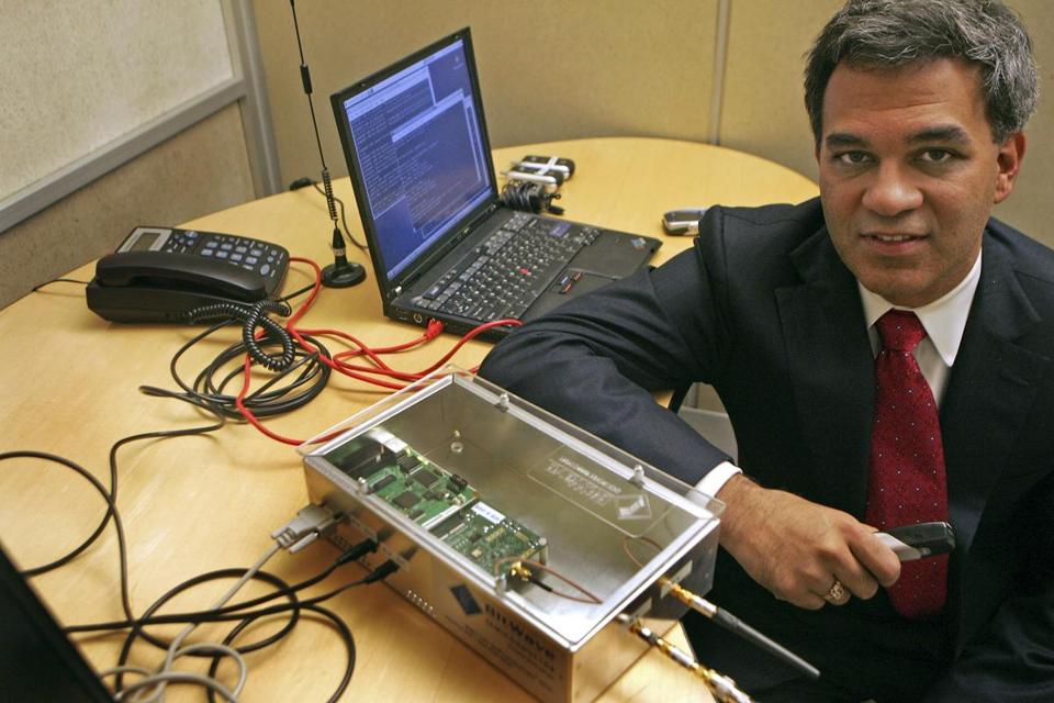 Vanu Bose with the prototypt of their newest technology in 2007.