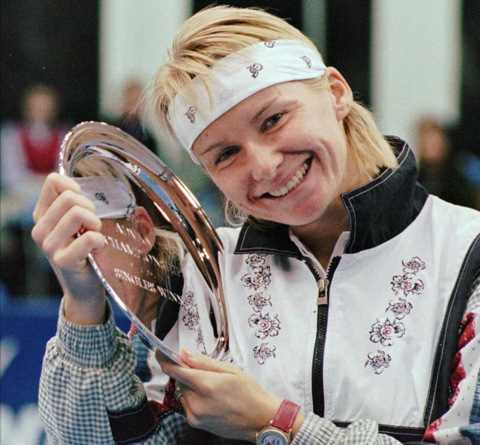 Ms. Novotna won 24 singles titles, including the Advanta Tennis Championship in Villanova, Penn., in 1996.