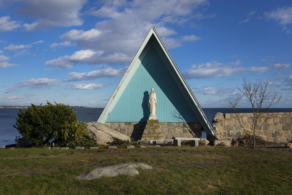 The Seaside Chapel offers breathtaking views out onto Fishers Island Sound.