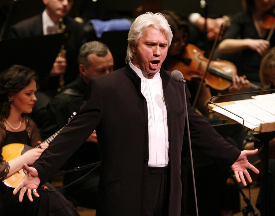 Mr. Hvorostovsky, though a baritone, was hailed at times as a successor to Luciano Pavarotti.