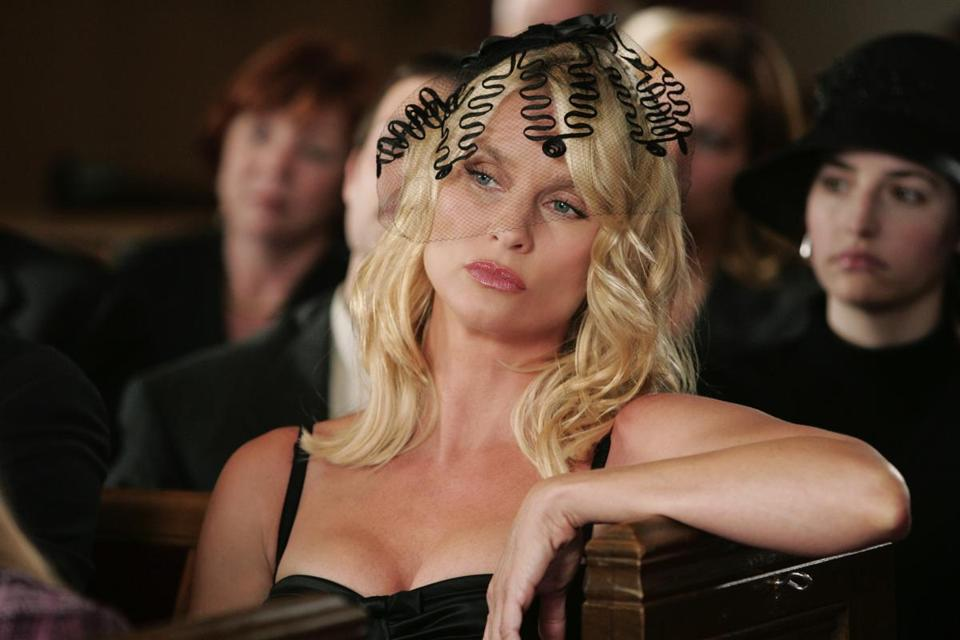 Nicollette Sheridan is stepping into the role Joan Collins made famous.