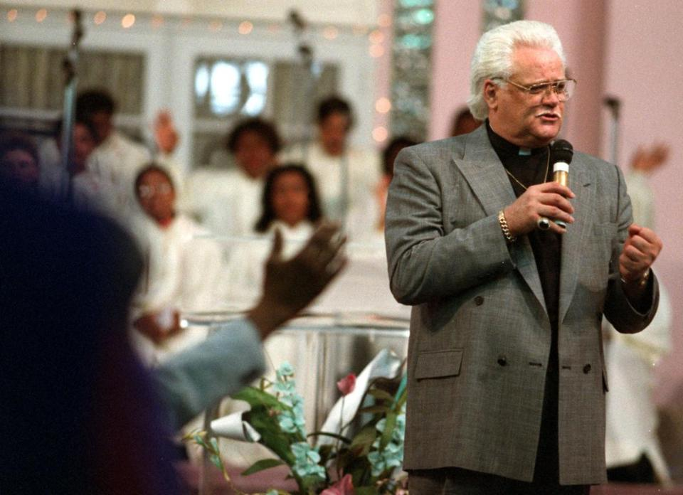 Mr. Cochran turned to preaching in his 40s. He was the born-again pastor of the Voice of Jesus ministry near Miami.