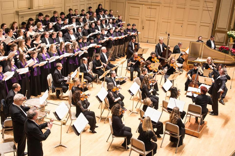 "The Handel and Haydn Society returned to Handel's ""Messiah"" Sunday."