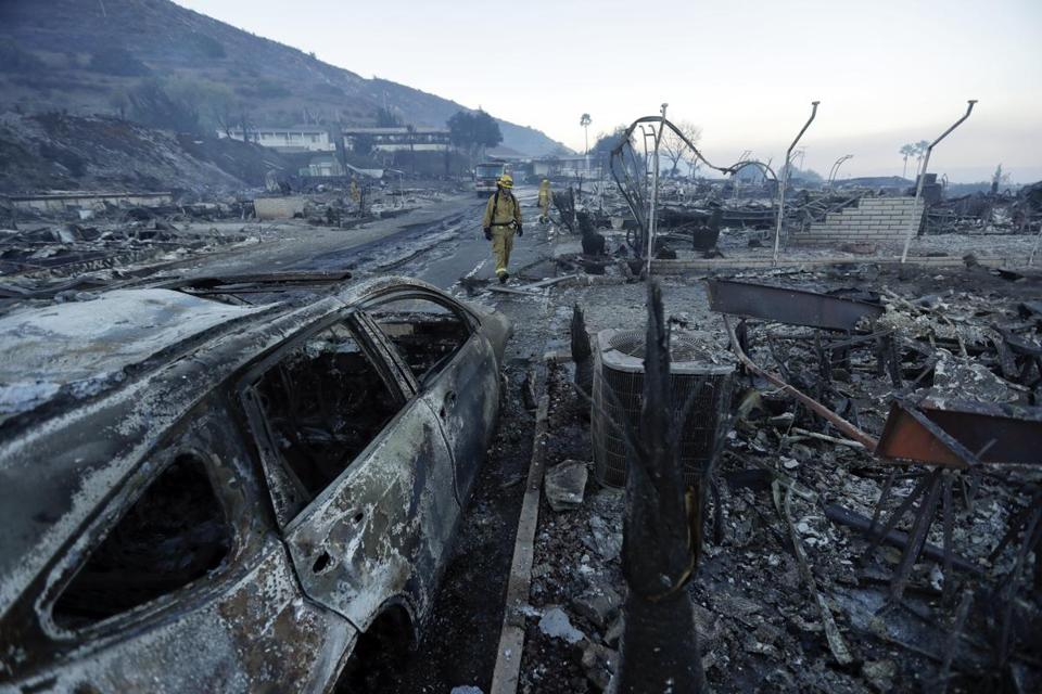 Lilac Fire 60% Contained as Favorable Weather Helps 1400 Firefighters Battle Blaze