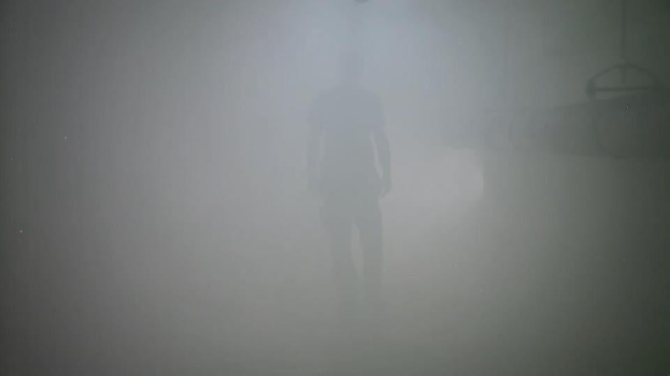Video of workers vanishing into a fog.