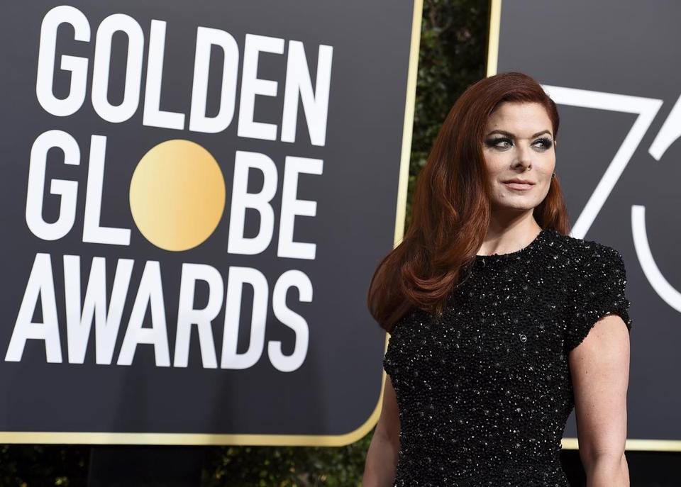 Debra Messing Trashes E! for Sexism On Air with E! Reporter