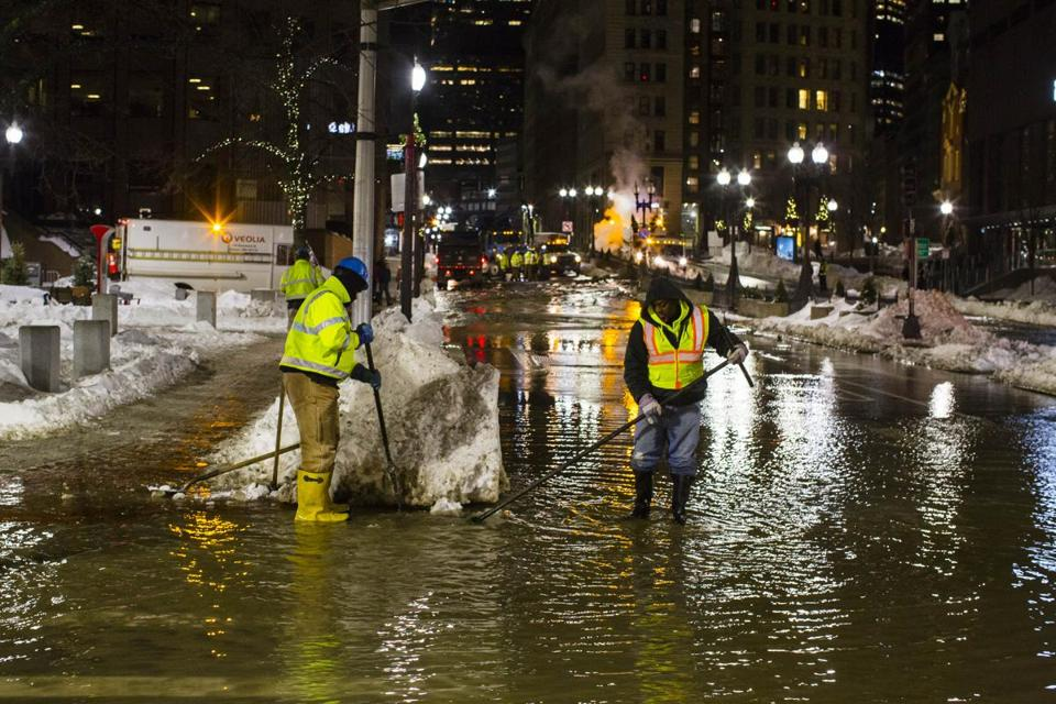 Massive water main break shuts down busy street in Boston